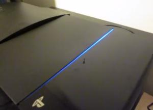 La temutissima blue light of death della Playstation 4