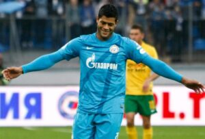 Hulk autore del secondo gol contro il Borussia Dortmund, su calcio di rigore