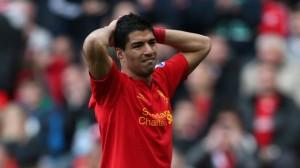 Luis Suarez con la maglia del Liverpool.