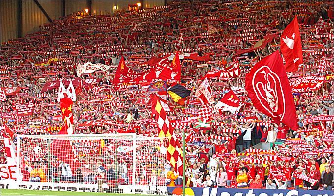 La KOP, la caldissima tifoseria del Liverpool.