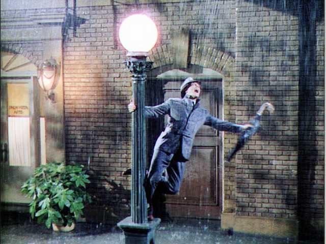 """Una scena di """"Cantando sotto la pioggia"""""""