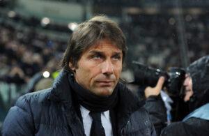 Antonio Conte alle prese con le tante assenze della sua Juventus