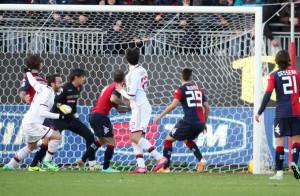 Il gol di Gianpaolo Pazzini decide il match
