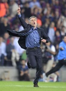 La storica esultanza di Mourinho al Camp Nou