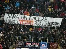Lostriscione esposto dai tifosi del Bologna