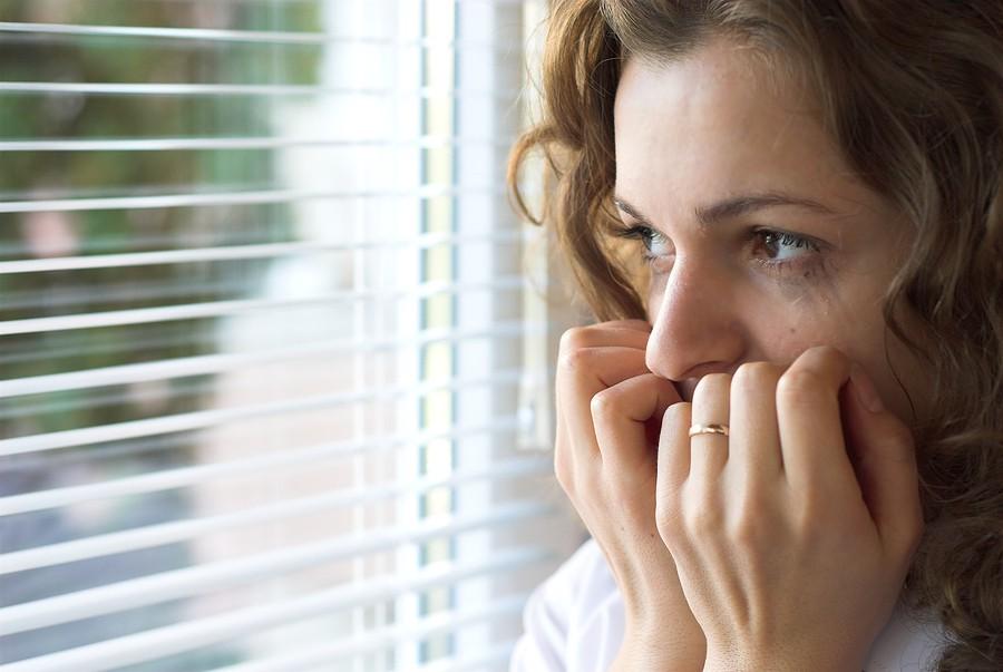 Come l'ansia sociale limita i amore, nel lavoro e nelle relazioni.