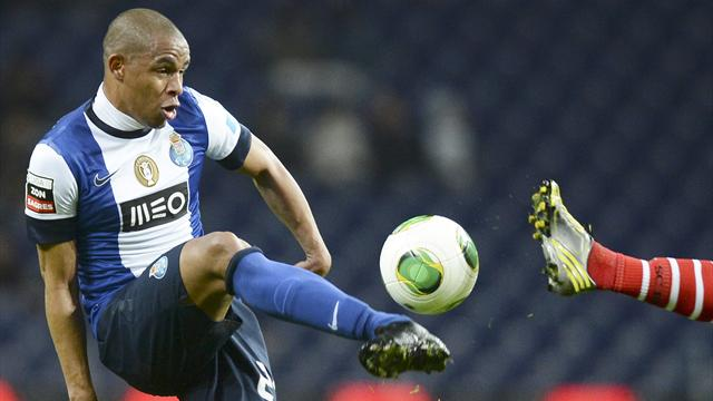 Milan, Seedorf ti porta Fernando e scarica De Jong