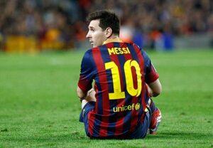 Leo Messi, con una splendida doppietta,ha guidato i suoi al successo a Siviglia