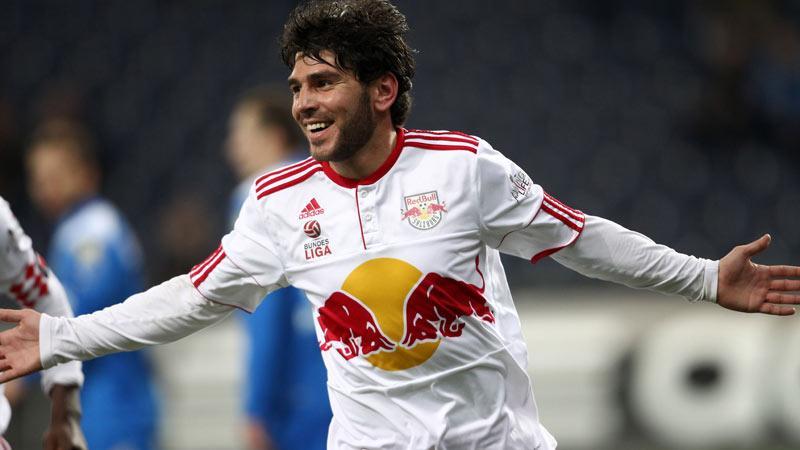 Magnifico gol di Soriano con la maglia del Salisburgo Europa League