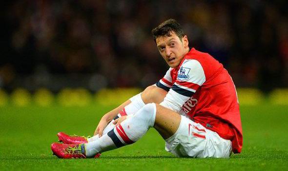 La crisi dell'Arsenal può finire con la rinascita di Ozil