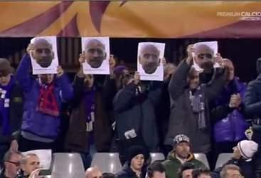 I tifosi viola solidarizzano con Borja Valero
