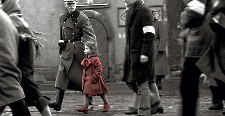 """La bambina col vestito rosso in  """"Schindler's List"""""""