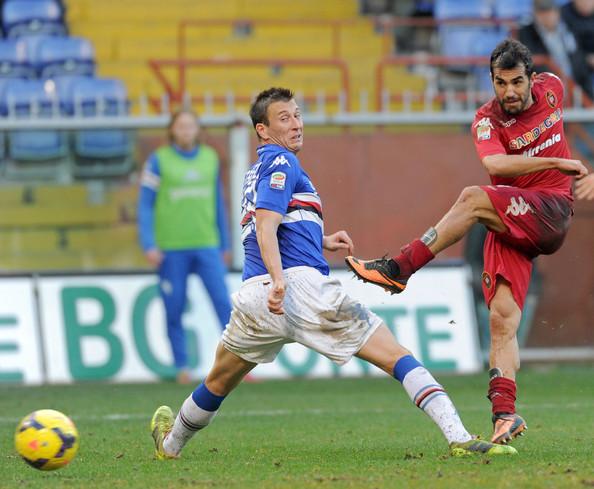 Marco Sau con la maglia del Cagliari