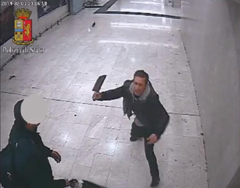 Aggressione a colpi di mannaia nella stazione centrale di Milano.