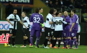 Molto poco merito: la rissa finale di Parma - Fiorentina