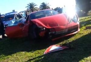 La malconcia Ferrari del giovane attaccante