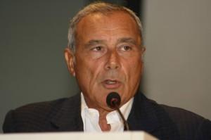 Piero Grasso, presidente del Senato, che ha approvato il voto di scambio