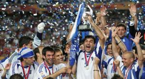 I giocatori greci festeggiano la vittoria a Euro 2004