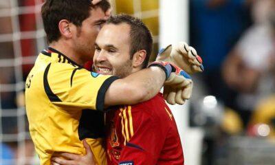 Iker Casillas e Andres Iniesta