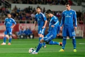 Siviglia-Real Madrid 2-1: la punizione di Ronaldo che ha portato i blancos in vantaggio