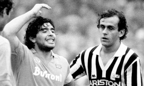Diego Armando Maradona portò il Napoli al trionfo sulla Juventus di Platini