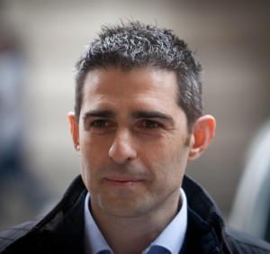 Federico Pizzarotti, sindaco di Parma, scomunito da Grillo via tweet