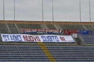 Cagliari: Lo striscione al S. Elia