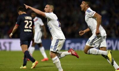 Jordan Ferri, esulta dopo il gol al PSG nel posticipo di Ligue1