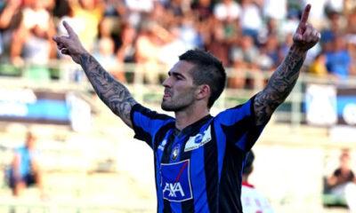 Marko Livaja con la maglia dell'Atalanta