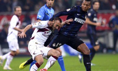 Guarin disastroso nel posticipo Livorno-Inter 2-2.
