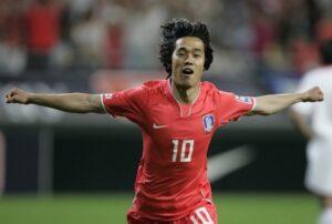 Park Chu Young cerca un gol contro il Belgio
