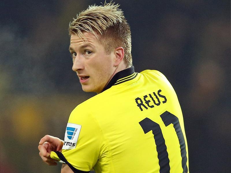 Reus trascina il Dortmund nel 3-0 dell'Allianz Arena.
