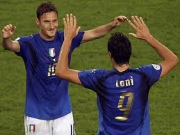Francesto Totti, capitano della Roma, e Luca Toni, bomber del Verona, ai mondiali 2006