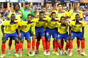 formazione Ecuador 2014, al centro in prima fila il leader Antonio Valencia