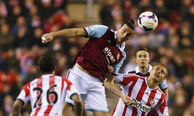 Sunderland-West Ham 1-2: Carrol colpisce di testa sul primo goal