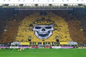 Coreografia dei tifosi del Borssia Dortmund