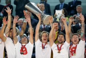 Bela-Guttmann: Il Siviglia alza l'Europa League al cielo di Torino