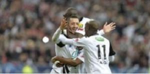 L'esultanza dei giocatori del Guingamp dopo l'1-0 di Pereira