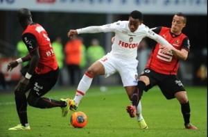 Una fase del primo tempo di Rennes-Guingamp