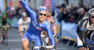 Nacer Bouhanni vince la quarta tappa del Giro d'Italia