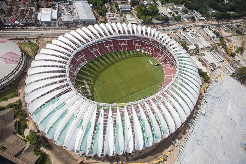 Ammiriamo il monumentale Beira Rio di Porto Alegre.