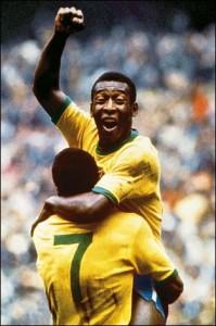 Pelè esulta, il Brasile è Campione del Mondo.