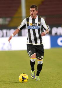 Roberto Pereyra con la maglia dell'Udinese