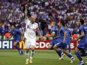 Mondiali 2006: Zidane segna in finale con un cucchiaio beffardo