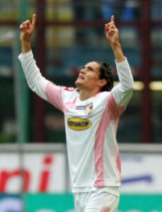 Edinson Cavani con la maglia del Palermo