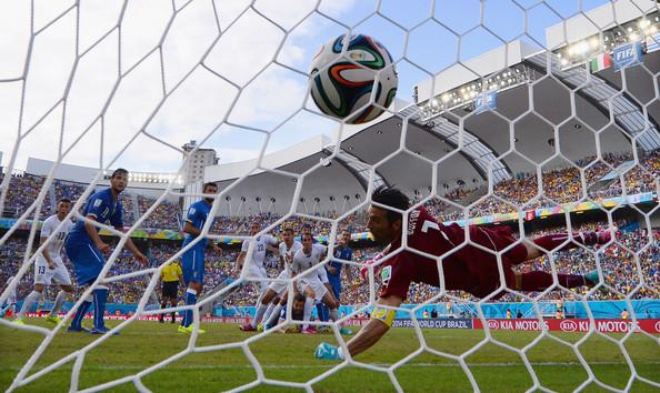 Un gol di Godin elimina l'Italia dai Mondiali