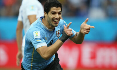 Luis Suarez stende l'Inghilterra con una doppietta