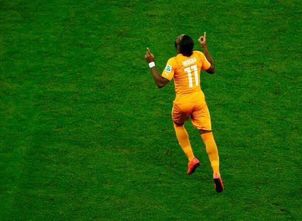 Drogba migliore in campo nella vittoria per 2-1 degli ivoriani contro il Giappone