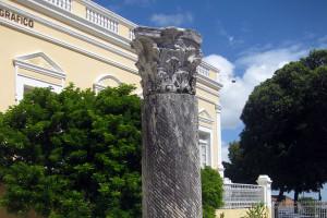 La Coluna Capitolina è stata donata dall'Italia nel 1928