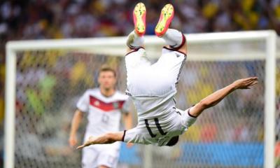 Klose entra nella storia dei Mondiali, con il 15° gol a pari di Ronaldo
